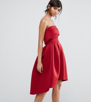 True Violet Приталенное платье-бандо миди. Цвет: красный