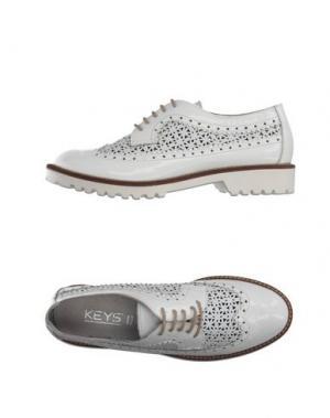 Обувь на шнурках KEYS. Цвет: белый