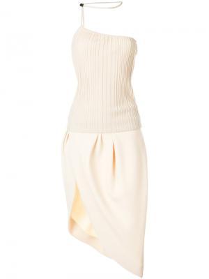 Асимметричное платье шифт Jacquemus. Цвет: телесный