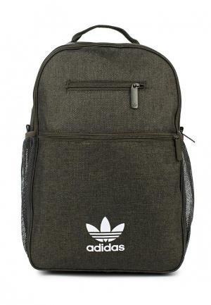 Рюкзак adidas Originals. Цвет: хаки