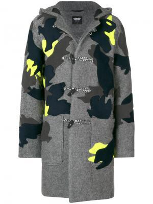 Пальто с капюшоном и заплатками Christopher Raeburn. Цвет: серый