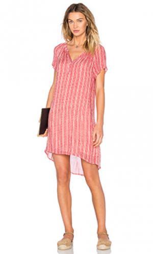 Прозрачное цельнокройное платье с дымчатым принтом lacey Velvet by Graham & Spencer. Цвет: красный