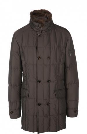 Стеганая куртка с меховой отделкой воротника Moorer. Цвет: коричневый