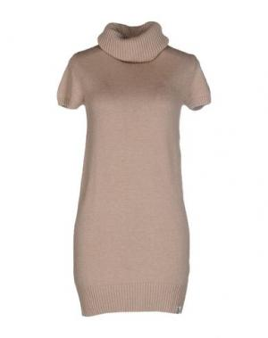 Короткое платье DUCK FARM. Цвет: песочный