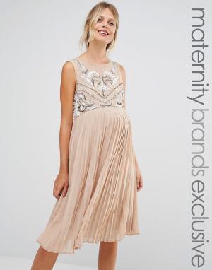 Maya Maternity Короткое приталенное платье для беременных без рукавов с плиссированно. Цвет: коричневый