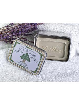 Косметическое мыло с ароматом трав в жестяной коробочке Кедр Le Blanc.. Цвет: зеленый