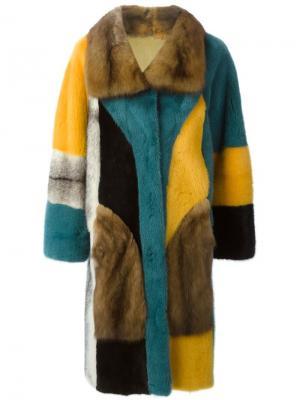 Двухстороннее меховое пальто Liska. Цвет: многоцветный