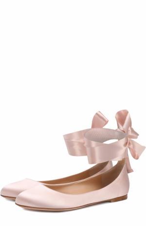 Атласные балетки Odette с лентами на щиколотке Gianvito Rossi. Цвет: розовый