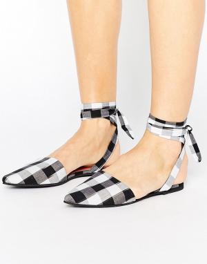 Park Lane Туфли в клеточку с острым носком и завязками. Цвет: мульти