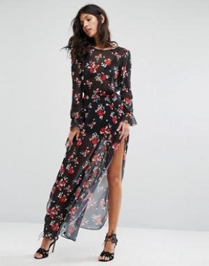 Flynn Skye Платье макси с цветочным принтом. Цвет: мульти