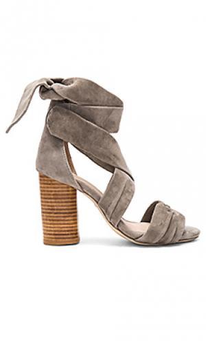 Туфли на каблуке mia RAYE. Цвет: серый