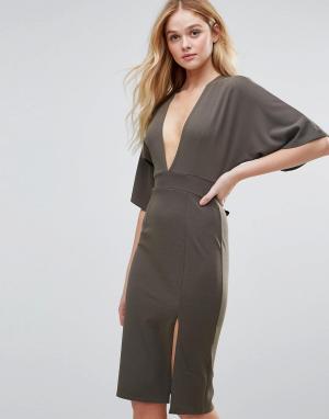 Rare Платье миди в стиле кимоно с декольте. Цвет: зеленый