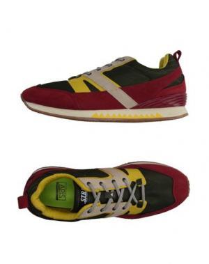 Низкие кеды и кроссовки STRD BY VOLTA FOOTWEAR. Цвет: зеленый-милитари
