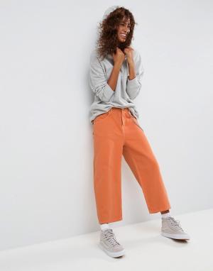 ASOS Оранжевые укороченные джинсы с контрастной строчкой. Цвет: оранжевый