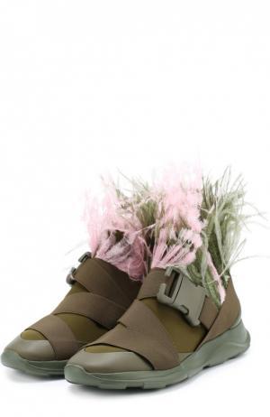 Комбинированные кроссовки с отделкой пером страуса Christopher Kane. Цвет: хаки