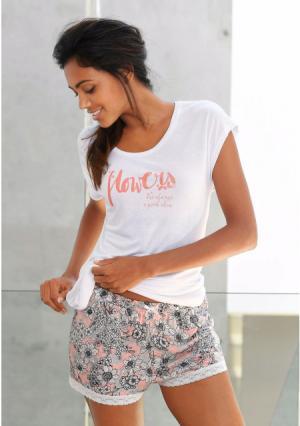 Пижама с шортами s.Oliver. Цвет: экрю/в цветочек