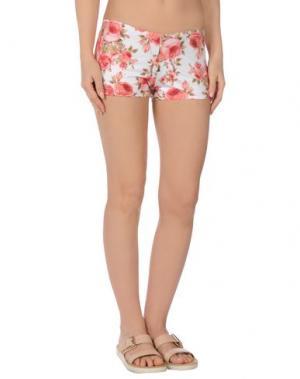 Пляжные брюки и шорты MISS NAORY. Цвет: белый