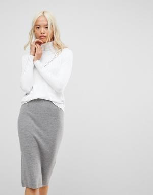 Subtle Luxury Джемпер с V-образным вырезом и карманами. Цвет: белый
