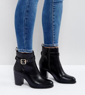 Faith Wide Fit Ботильоны на каблуке для широкой стопы с пряжкой Wanda. Цвет: черный