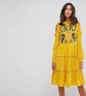 Frock and Frill Tall Свободное бархатное платье с вырезами на плечах и цветочной вышивкой F. Цвет: желтый