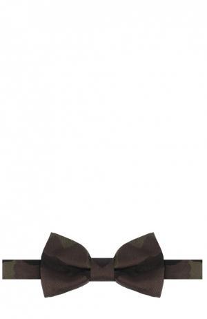 Шелковый галстук-бабочка с камуфляжным принтом Valentino. Цвет: хаки