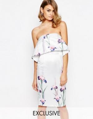 True Violet Сатиновое платье‑футляр с накладкой. Цвет: мульти