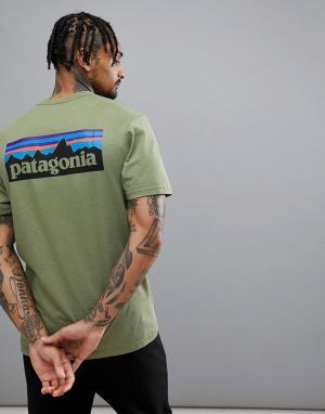 Patagonia Зеленая футболка с логотипом на спине P-6. Цвет: зеленый