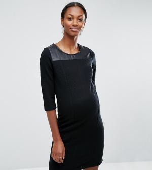 Mama.licious Трикотажное платье для беременных с кожаной вставкой Mamalicious. Цвет: черный