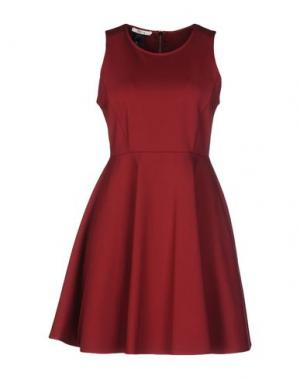 Короткое платье TOY G.. Цвет: красно-коричневый
