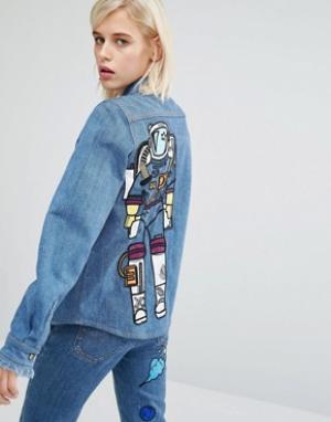 House of Holland Джинсовая рубашка с вышивкой космонавта сзади x Lee. Цвет: синий