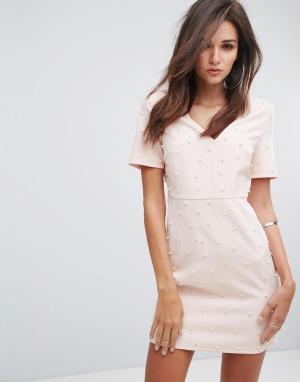 Fashion Union Облегающее платье с V-образным вырезом и искусственным жемчугом Fashio. Цвет: розовый