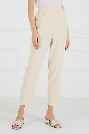 Бежевые брюки на эластичном поясе Cyrille Gassiline. Цвет: бежевый