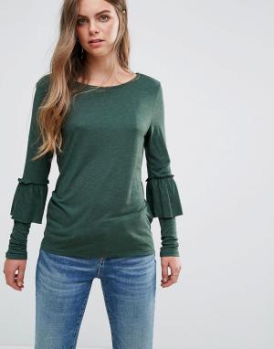 Pieces Трикотажная блузка с оборками на рукавах. Цвет: зеленый