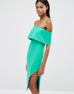 Lavish Alice Асимметричное платье миди с глубоким лифом-бандо. Цвет: зеленый