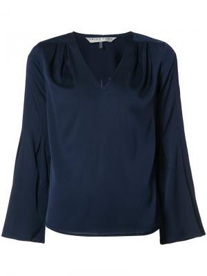 Блузка с V-образным вырезом Trina Turk. Цвет: синий