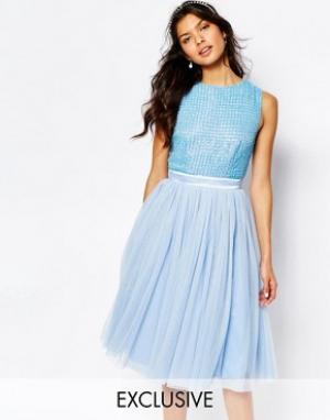 Maya Платье миди с отделкой на лифе и тюлевой юбкой. Цвет: синий