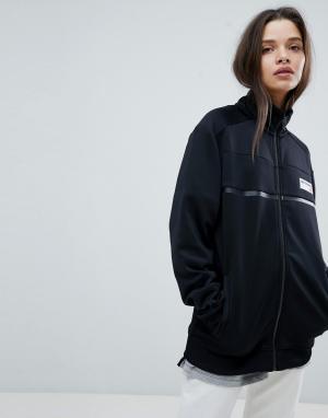 New Balance Черная спортивная куртка. Цвет: черный