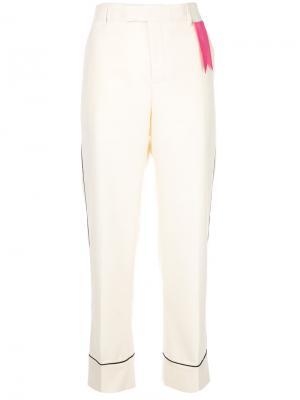 Прямые брюки The Gigi. Цвет: телесный