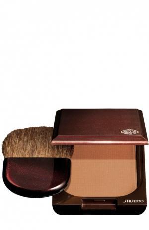 Компактная пудра с оттенком загара, оттенок 1 Shiseido. Цвет: бесцветный