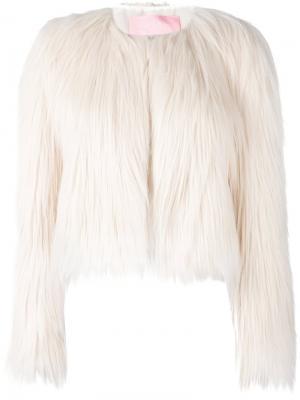 Короткое пальто из искусственного меха Giamba. Цвет: белый