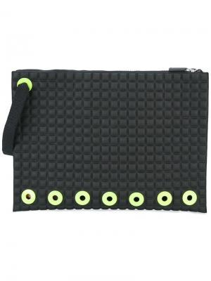 Текстурированный клатч с ремешком на запястье No Ka Oi Ka'. Цвет: чёрный