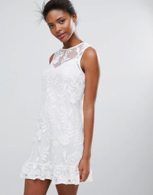Parisian Кружевное цельнокройное платье. Цвет: белый