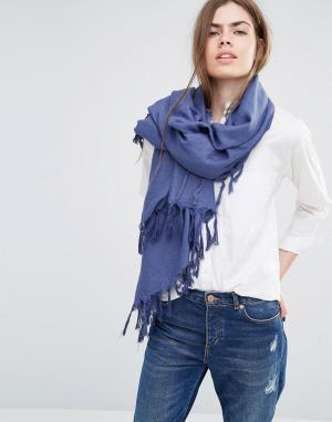 Becksondergaard Темно-синий oversize‑шарф с кисточками. Цвет: темно-синий