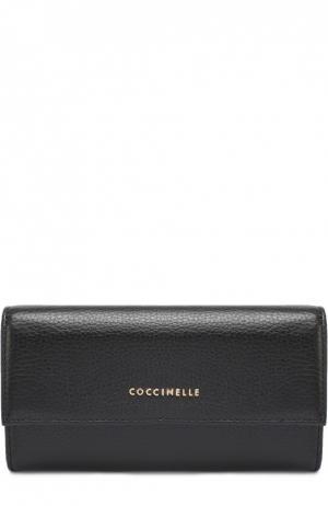 Кожаный бумажник с клапаном Coccinelle. Цвет: черный