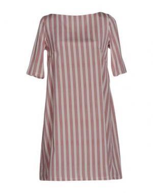 Короткое платье BINI Como. Цвет: красно-коричневый