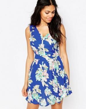 Iska Платье с цветочным принтом и молнией спереди. Цвет: синий