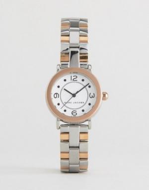 Marc Jacobs Двухцветные часы MJ3540 Rily. Цвет: серебряный