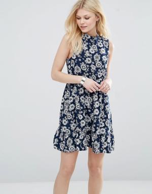 Iska Короткое приталенное платье с высокой горловиной и цветочным принтом I. Цвет: темно-синий