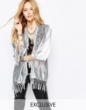 Spiritual Hippie Длинное кимоно с кисточками Spritual. Цвет: серебряный