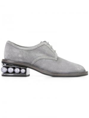 Ботинки-дерби Casati с жемчужинами Nicholas Kirkwood. Цвет: серый
